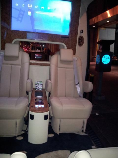 fep secure trans Sprinter Tan & Black 1 interior